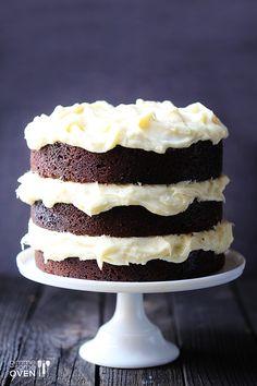 Delicioso Pastel de chocolate con glaseado de queso crema