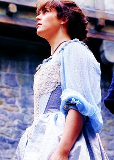 That moment where we all prayed Constance wouldn't be beheaded. The Musketeers Tv Series, Bbc Musketeers, The Three Musketeers, Theatre Costumes, Movie Costumes, Musketeer Costume, Howard Charles, Elizabethan Era, Luke Pasqualino