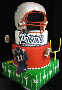 I want this cake but instead of a Brady jersey I want it to be Gronk's ahh perfect cake for me!!