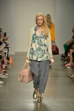 Karen Walker Spring 2014 Ready-to-Wear - Not into the paisley-esque pattern (that's never been my thing), but I love everything else.