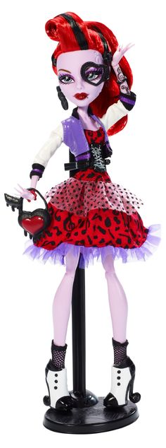 Amazon.com: Monster High Picture Day Operetta Doll: Toys & Games