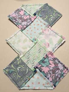 Simple cosmetic bags, purses patchwork. ~ DIY Tutorial Ideas!