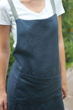 retrohome28:  Linen apron inspired by a Japanese apron design