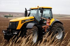 FASTRAC - JCB Good looking tractor
