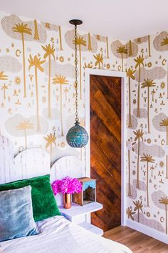This wallpaper and hanging pendant light make up feel like we've been transported to Marrakech Stylish Bedroom Decor Ideas to Update Your Space Dream Bedroom, Master Bedroom, Bedroom Decor, Bedroom Ideas, Fashion Art, Interior Inspiration, Design Inspiration, Interior Ideas, Design Ideas