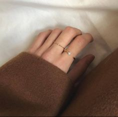 Used Sterling Silver Jewelry Simple Jewelry, Cute Jewelry, Jewelry Accessories, Fashion Accessories, Jewlery, Accesorios Casual, Beige Aesthetic, Antique Jewelry, At Least
