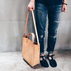 LI+U leather bag