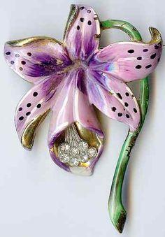 Vintage Enamel Clear Rhinestone Lily Flower Brooch