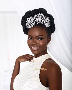 7 Glam bridal hairstyles for natural hair on www.bellanaija.com/weddings by @dionnesmithhair ✨ - link in profile. : @ernestsimons  Makeup: @joyadenuga & @obanbeauty | Stylist: @stylecheckbydee | Jewellery: @cillajamesselection | Model: @flowerbatts ✨