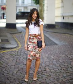 10 Glamorous Pencil Skirt For Work - Fashion Outfit Ideas Fashion Mode, Work Fashion, Spring Fashion, Office Fashion, Fashion Outfits, Style Fashion, Fashion Glamour, Fashion Skirts, Cheap Fashion