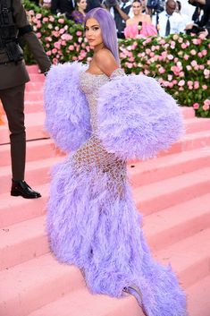 Kylie Jenner Photos - Kylie Jenner attends The 2019 Met Gala Celebrating Camp: Notes on Fashion at Metropolitan Museum of Art on May 2019 in New York City. - The 2019 Met Gala Celebrating Camp: Notes On Fashion - Arrivals Kendall Jenner, Kylie Jenner Met Gala, Trajes Kylie Jenner, Kylie Jenner Photos, Looks Kylie Jenner, Kylie Jenner Style, Kendall And Kylie, Kylie Baby, Kim Kardashian