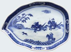 A Chinese blue and white stand with hunting scene. Kangxi period. Of leaf form, decorated in underglazed blue with an hunting scene. China. Asia.