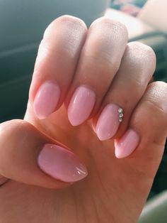 short almond nails :)