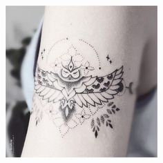 #VerônicaAlves #brasil #brazil #brazilianartist #TatuadorasDoBrasil #handpoke #blackwork #pontilhismo #dotwork #fineline #ave #passaro #bird #coruja #owl #folha #leaf Cute Tattoos, Body Art Tattoos, Sleeve Tattoos, Hand Poked Tattoo, Poke Tattoo, Tattoo Designs For Girls, Dot Work, Sister Tattoos, Mandala Tattoo