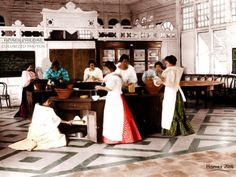 51 Old Colorized Photos Reveal The Fascinating Filipino Life Between 1900 - 1960 Philippines Fashion, Philippines Culture, Manila Philippines, Bataan Death March, Filipino Fashion, Filipina Girls, Normal School, Filipino Culture, Colorized Photos
