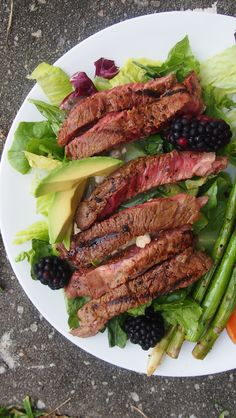 Healthy Steak Salad. (Thinking about the hubby on this one.)