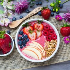 Friday eats! A big nutritious smoothie bowl made with fresh fruit and super foods. Smoothie bowls are one of my favorite ways to incorporate important vitamins and nutrients into my family's diet. They always get a big thumbs up here. Enjoy your weekend, everyone. We are off to the pool to cool off.  Strawberry-Banana and Goji Berry Smoothie Serves 1-2  Ingredients  1 1/2 C strawberries, frozen 1 banana, frozen  1 T @sunfood Goji Berries 1 C non-dairy milk 1/4 C vanilla @kachavatribe powder