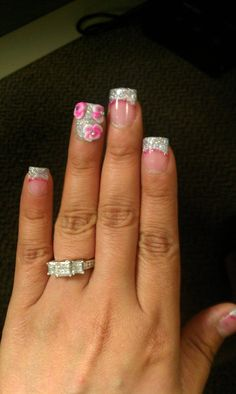Love these nails. Hate the ring finger nail though