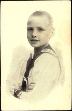 Friedrich Ernst de Saxe-Altenburg (1905–1985) fils du prince Ernst II et de la princesse Adélaïde de Schaumburg-Lippe (1875-1971)