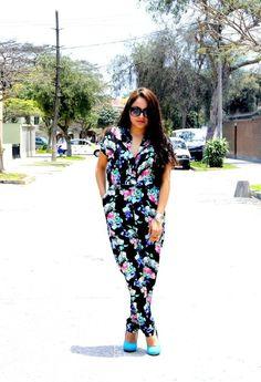 Enterizo de Flores  , MNG, Mango en Camisas / Blusas