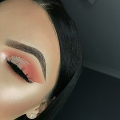 Gorgeous Makeup: Tips and Tricks With Eye Makeup and Eyeshadow – Makeup Design Ideas Baddie Makeup, Glam Makeup, Skin Makeup, Makeup Inspo, Makeup Inspiration, Makeup Ideas, Peach Eye Makeup, Makeup Trends, Makeup Eye Looks