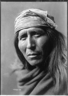 Tsahizn Tseh,1906. Edward Sheriff Curtis Photography.