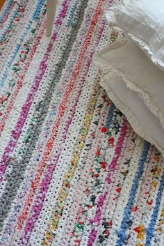 gorgeous rag rug crocheted in rows.....