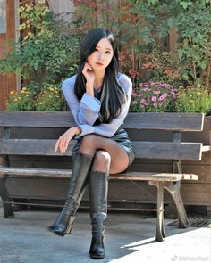 Asian Cute, Cute Asian Girls, Beautiful Asian Women, Beautiful Legs, Riding Boot Outfits, Tights And Boots, Square Toe Boots, Thigh High Boots, Girl Poses