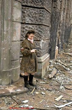 """Warsaw Uprising 1944 Henryk Wieczorek """"Heniuta"""" with a VIS pistol at the gate of the Herse's House on Dabrowski Square. Old Photos, Vintage Photos, Poland Ww2, Warsaw City, Warsaw Uprising, Warsaw Ghetto, Women In History, World War Two, Wwii"""