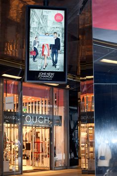 Bespoke digital signage situated at different locations in One New Change Shopping Center. Designed and manufactured by 10 Squared Retail Technology, Retail Sector, Wayfinding Signage, Digital Signage, Kiosk, Shopping Center, Bespoke, Change, Display