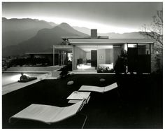 Photo Julius Shulman – Kaufmann House, Palm Springs, CA. 1947, Architect Richard Neutra