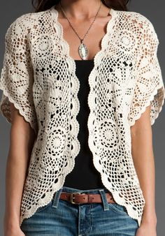 Here you see a hard-won victory. It is my latest sweater refashion inspired by the picture you see right below it. It is not exactly the same, but I think I came pretty close. Pull Crochet, Gilet Crochet, Crochet Motifs, Crochet Jacket, Crochet Cardigan, Love Crochet, Beautiful Crochet, Crochet Shawl, Knit Crochet
