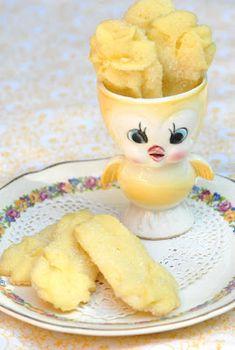 Lovely Lemon Straws