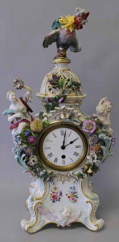 Meissen Porcelain (Erdinç Bakla archive) Clock Antique, Tick Tock Clock, Mantle Clock, Desk Clock, French Clock, Classic Clocks, Silver Teapot, Cool Clocks, Retro Clock