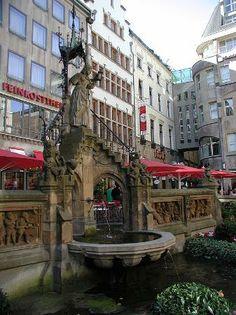 Heinzelmaennchenbrunnen Reviews - Cologne, North Rhine-Westphalia Attractions - TripAdvisor