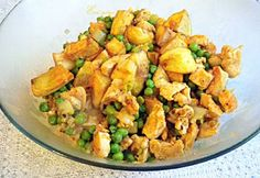 Chicken peas in Brasov Potato Salad, Chicken Recipes, Chicken Meals, Cravings, Food And Drink, Vegetables, Cooking, Ethnic Recipes, Drinks