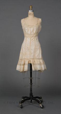 1910-1912 Edwardian lingerie, undergarments; cotton combination undergarment via FIDM Museum.