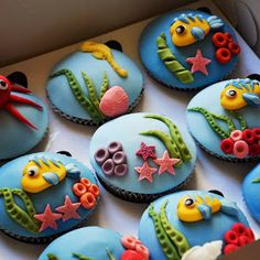 Your Inner Child Will Go Wild For These Disney Cupcakes Under the Sea Disney Cupcakes, Little Mermaid Cupcakes, Mermaid Cakes, Ariel The Little Mermaid, Mermaid Cupcake Toppers, Fondant Cupcakes, Sea Cupcakes, Fondant Toppers, Decorate Cupcakes