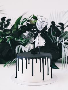 Monochromatic 1st Birthday - LENZO