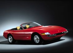 The Iconic Ferrari 365 Daytona Spyder Ferrari Daytona, Ferrari Ff, Car Images, Car Pictures, Retro Cars, Vintage Cars, Supercars, Super Fast Cars, Convertible