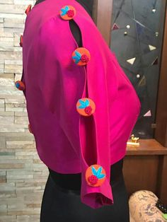 Saree Blouse Neck Designs, Dress Neck Designs, Kurta Designs, Sleeve Designs, Kurti Sleeves Design, Sleeves Designs For Dresses, Designer Blouse Patterns, Indian Designer Wear, Blouse Styles