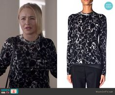 Juliette's black and white printed sweater on Nashville.  Outfit Details: http://wornontv.net/48989/ #Nashville