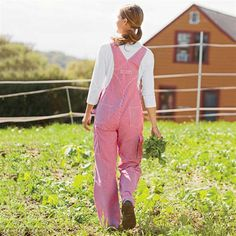 Striped overalls.  http://women.duluthtrading.com/store/product/womens-railroad-striped-overalls-95516.aspx?kw=overalls&processor=content