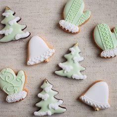 ° ° small christmas ornament icing cookies ✵ ° 小さな小さなオーナメントクッキーたち :-) 大好きなクリスマスだから、特別仕様 ✵ ° °