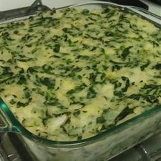Side Dish, Potato Spinach Casserole, Mashed Potatoes And Chopped Spinach Are Baked With Sour Cream, Butter And Chives, And Shredded Cheddar Cheese Is Melted On Top. Bacon Potato Casserole, Spinach Casserole, Twice Baked Potatoes Casserole, Greenbean Casserole Recipe, Casserole Recipes, Mashed Potatoes, Bacon Recipes, Side Recipes, Veggie Recipes