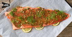 Uunilohi on yksi suosituimmista ja helpoimmista kalaruoista valmistaa. Uunilohen paistoaika uunissa on 30 minuuttia. Tässä reseptissä uunilohelle valmistetaan hunaja-sinappiseos, joka tuo kalan makuun lisää pehmeää potkua. Uunilohi on valmis 45 minuutissa. Katso helppo uunilohiresepti ja herkuttele! Koti, Drinks, Beverages, Drink, Beverage, Drinking