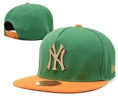 Men s New York Yankees New Era 9Fifty Gold Metal NY Logo A-Frame Baseball  Snapback dac7a0889403