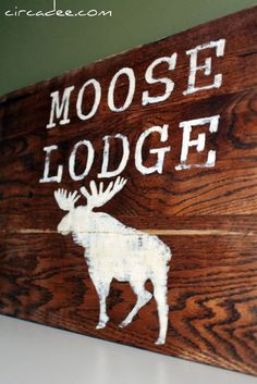 lodge sign = love it....I want this for my room ❤