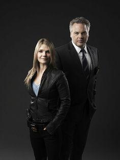 """Les Inspecteurs Robert GOREN et Alexandra EAMES! """"Un des premiers duos dans SECTION CRIMINELLE N.Y!"""