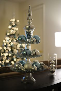 Dining room table centerpiece  Make using stuff from Dollar Tree...would be nice in red and green too